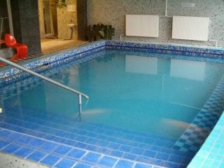 hévízi vízitúra Hotel Aquamarin medence