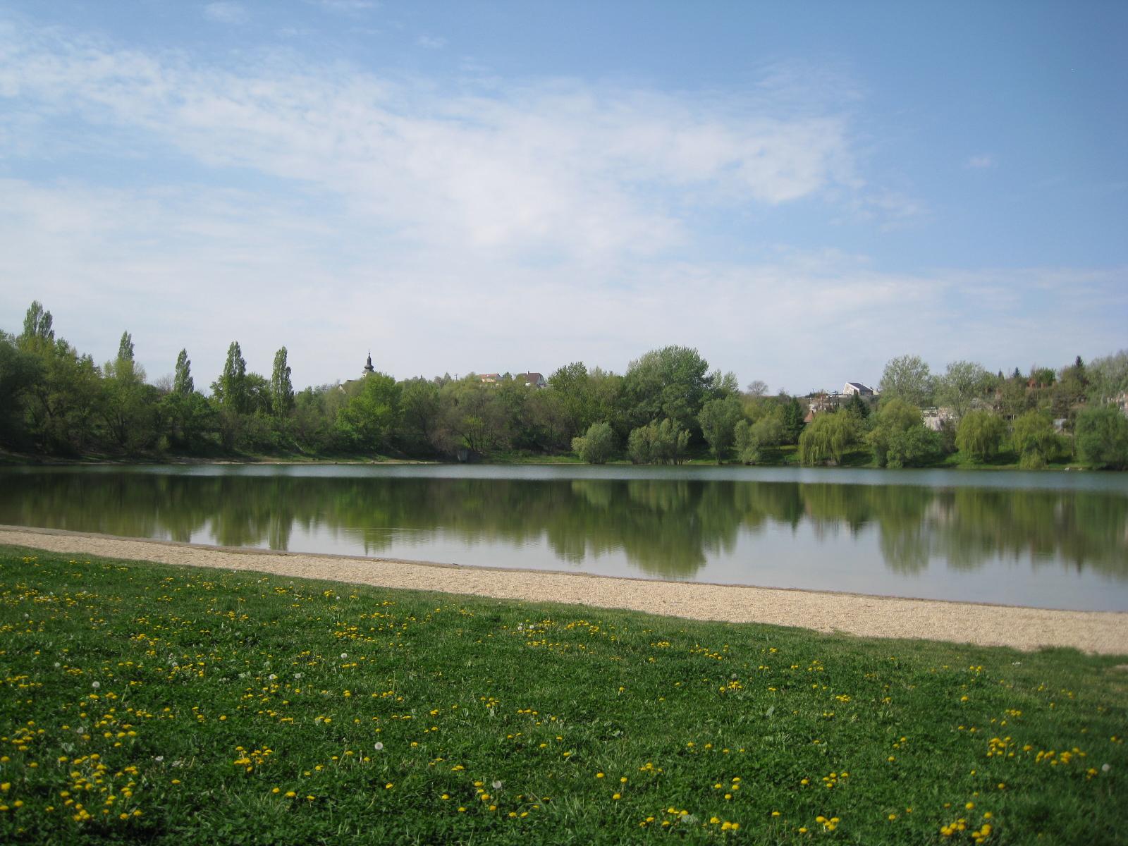 Új kemping vízitúrásoknak Dunaújvárosban